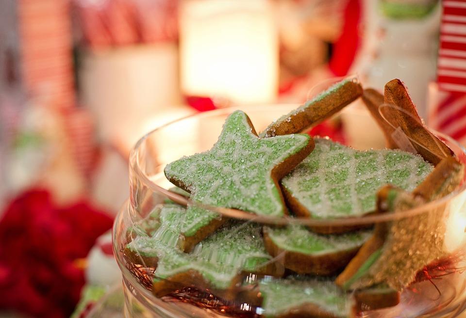 Manca poco più di un mese a Natale, siete già preoccupati per il pranzo in famiglia,  le abbuffate e quel piccolo morso di panettone in più da buttare giù finite le feste?